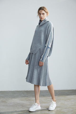 Casual woman's pullover / A-shaped cashmere skirt