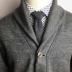 The Indigo Komon necktie tied in a sweet Pratt knot, AKA the Shelby knot.