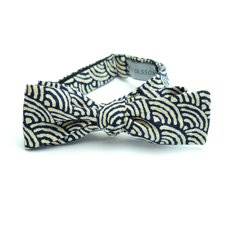 Indigo Waves Batwing Bow Tie