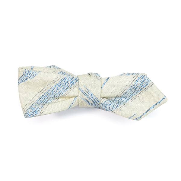 White Yagasuri Diamond Point Bow Tie