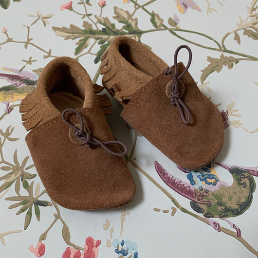 Pepa & Co Tan Suede Fringed Moccasins: 12-18 Months