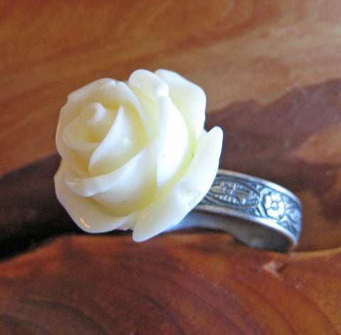 Ivory Rose Flower Ring