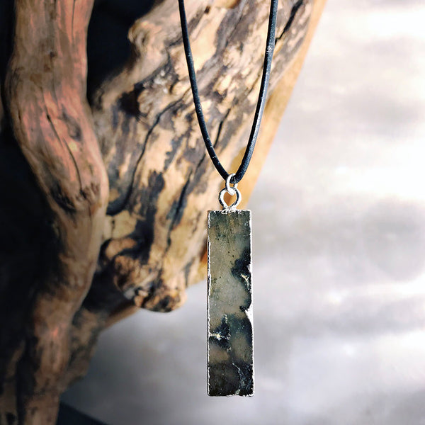 silver plated labradorite necklace