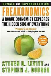 Freakonomics Rev Ed: A Rogue Economist Explores the Hidden Side of Everything Hardcover – Deckle Edge Import-sanapalas