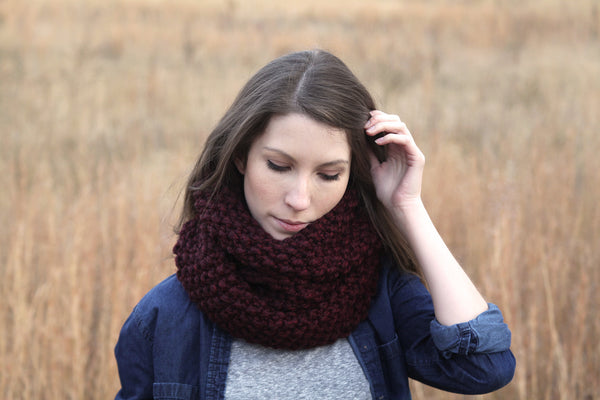 Chunky Knit Infinity Scarf in Wine
