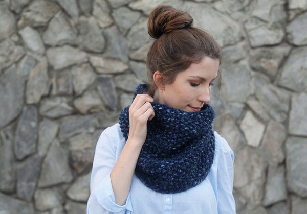 Chunky Knit Neck Warmer in Speckled Blue