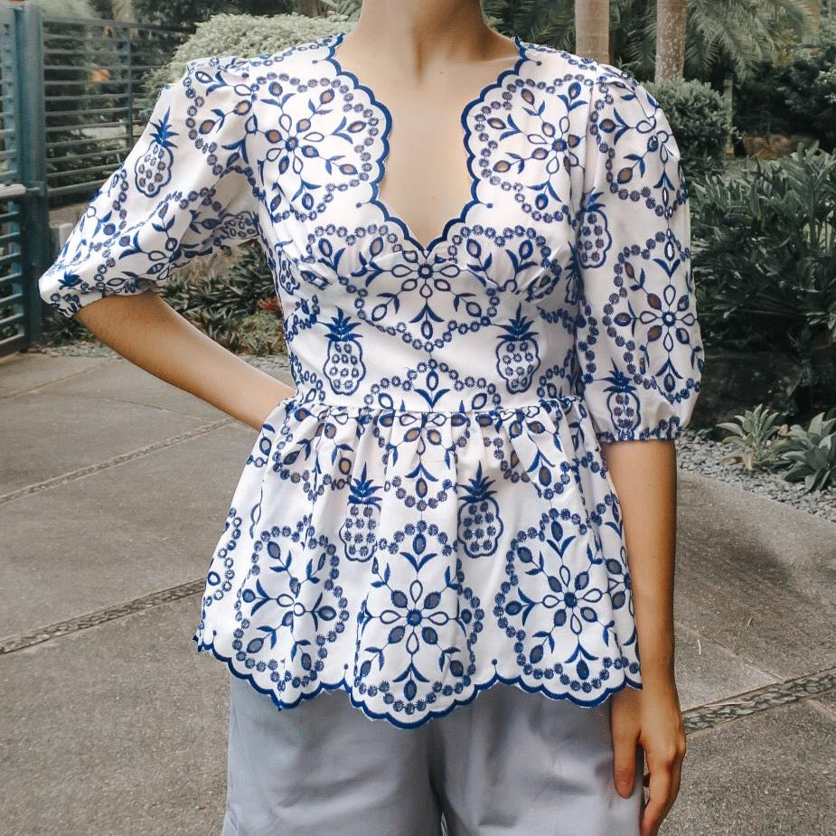 LEIRIA EMBROIDERED TOP