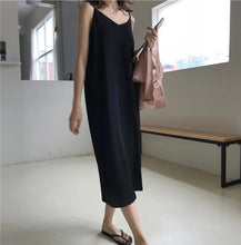 SILVOSO V-NECK DRESS