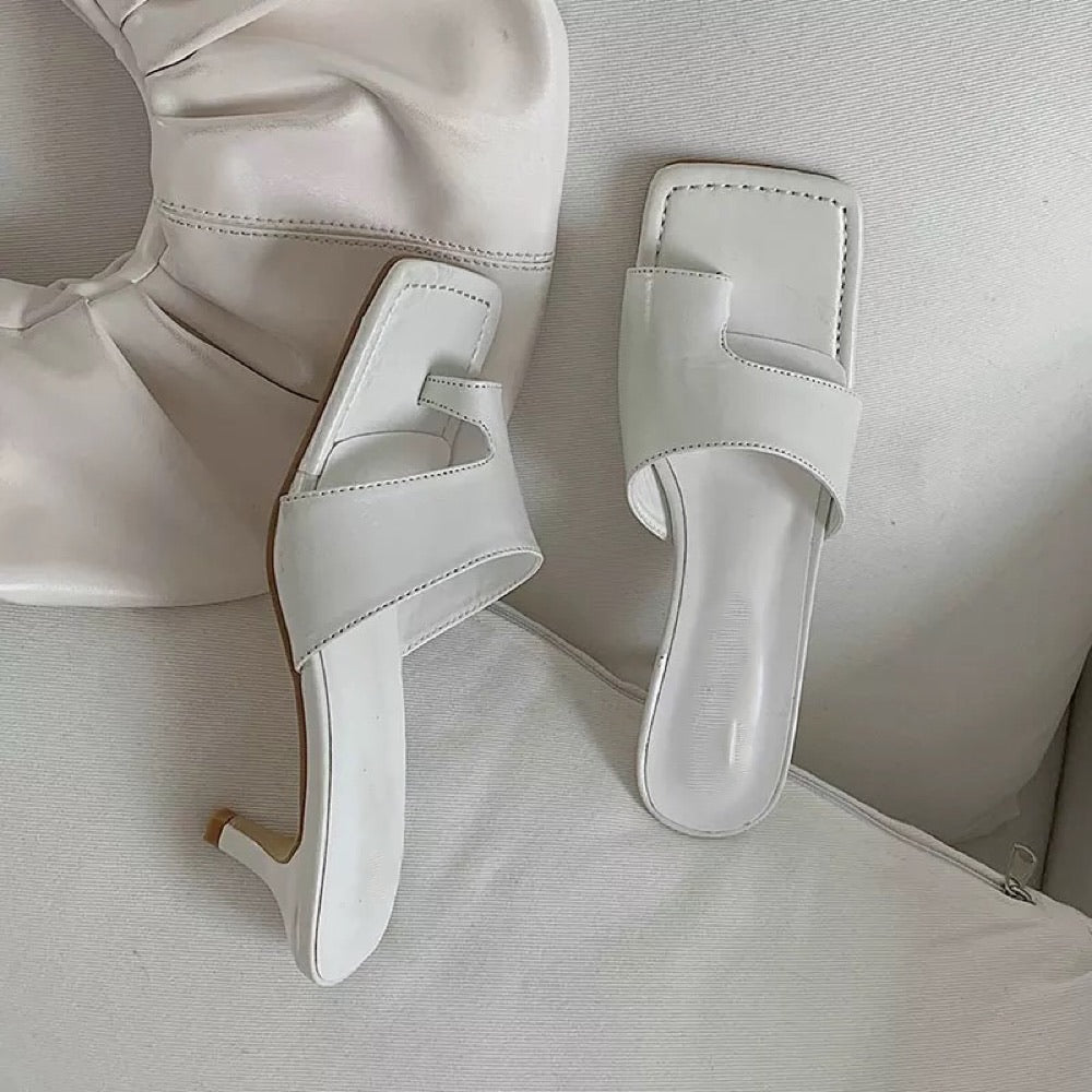 NOVEGRO CUT OUT HEELS