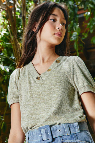 G8249 Sage Knit V-Neck T-Shirt Editorial
