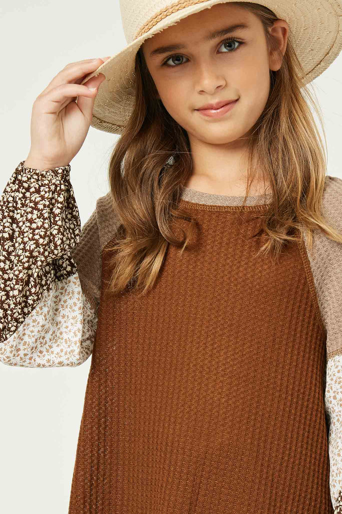 GY1341 Brown Girls Contrast Woven Sleeve Top Detail