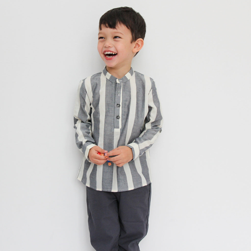 boys elegant outfit made of striped shirt and blue chinos by I Leoncini
