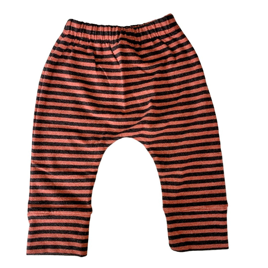 Stripes coal and rust cotton fleece pants. by Il Guardarobino