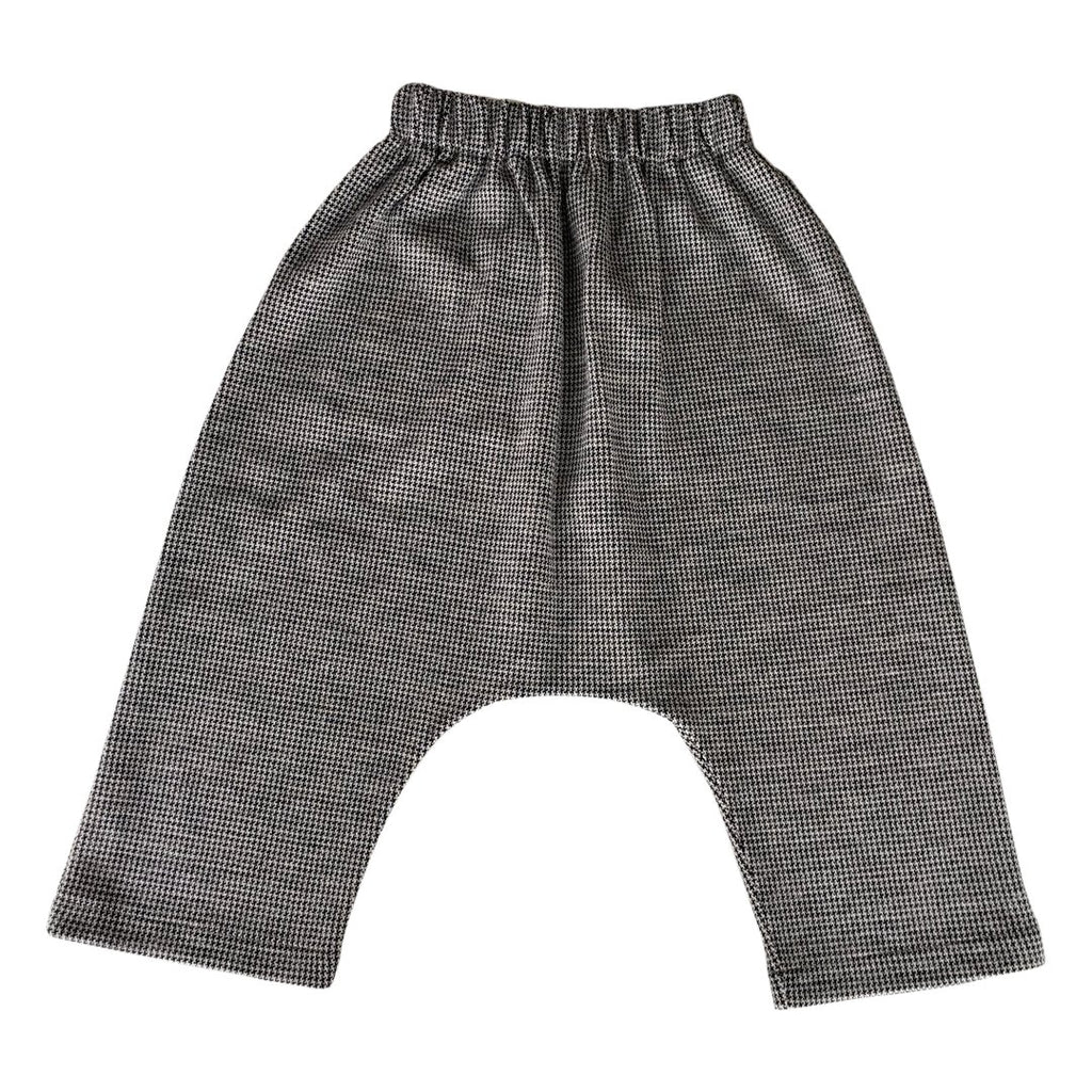 Super baggy pants in pied de poule pattern by Chichirikids