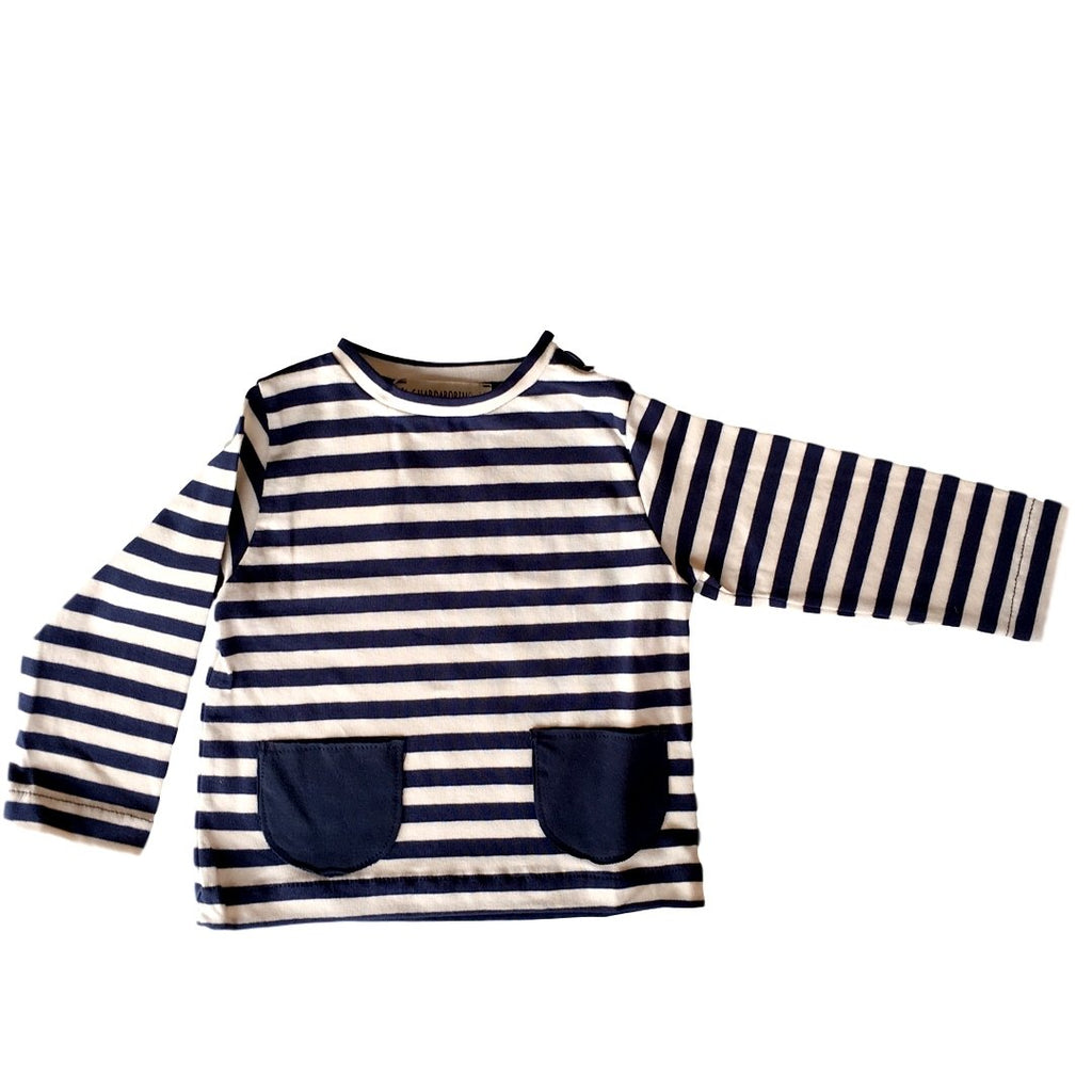 Long-sleeve baby t-shirt in blue and white stripes with two cute front pockets by Il Guardarobino