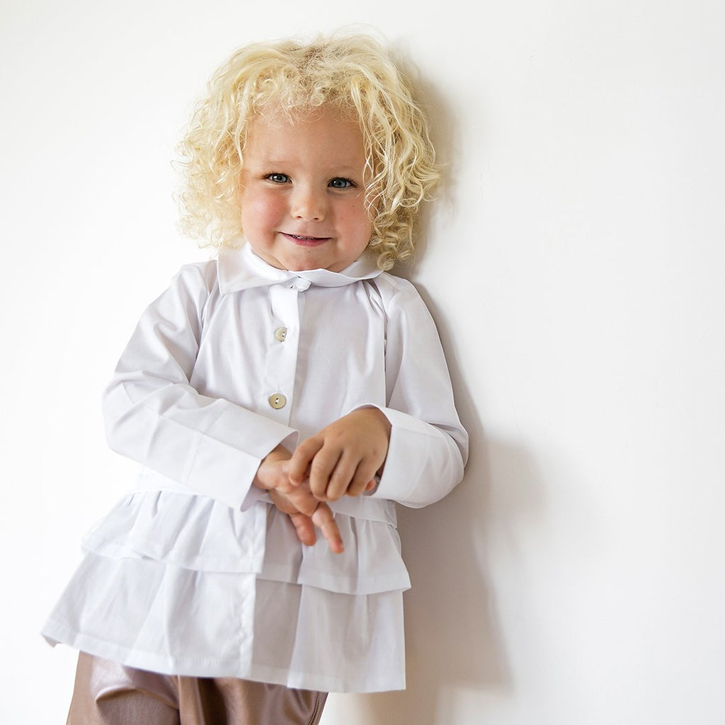White poplin shirt featuring a dramatic removable bow by Chichirikids