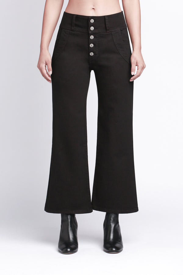 SOPHIE - Crop Jean with Exposed Buttons and Pocket Stitch Detail in Black - Sagjol