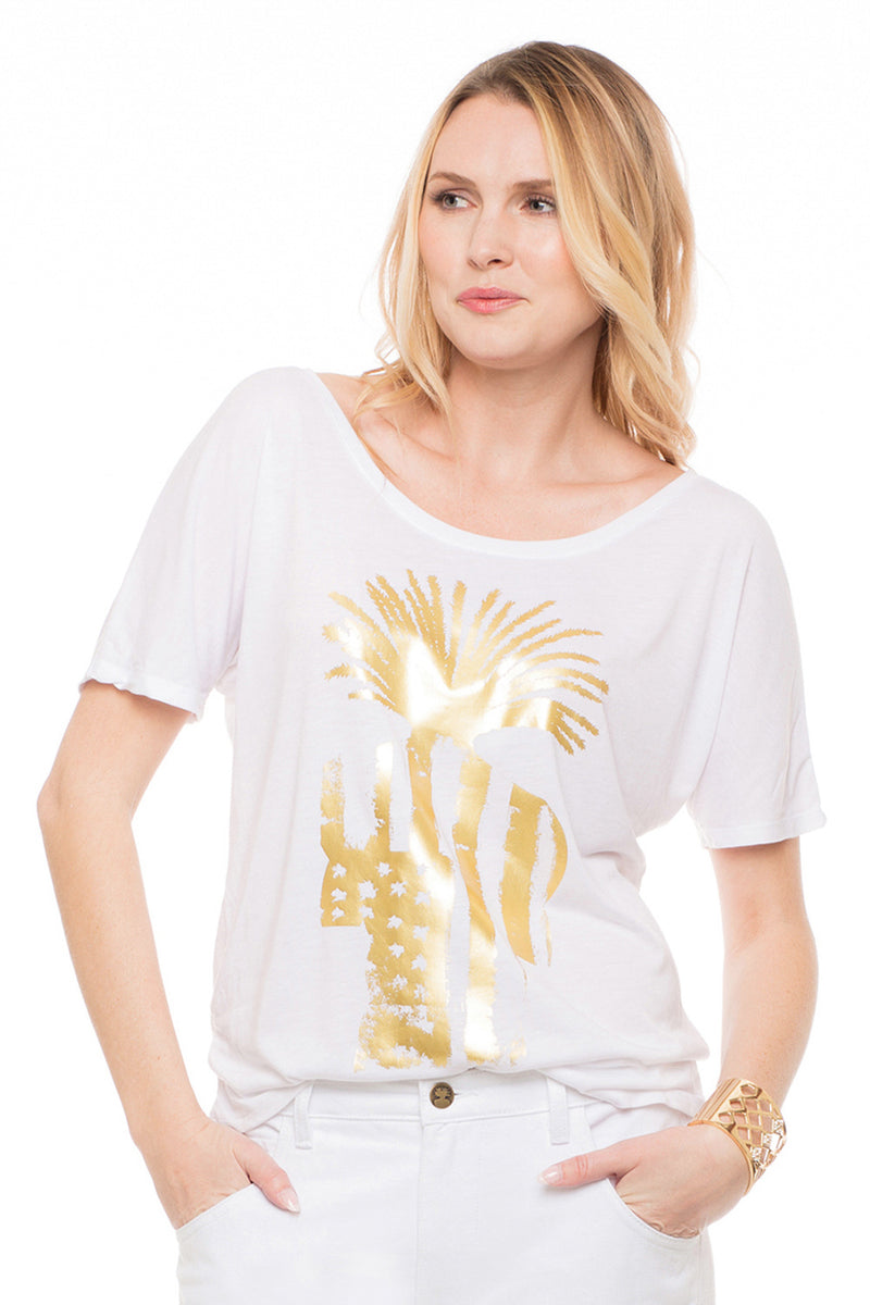 Short Sleeve Slouchy Tee with Gold Flag Logo - Sagjol