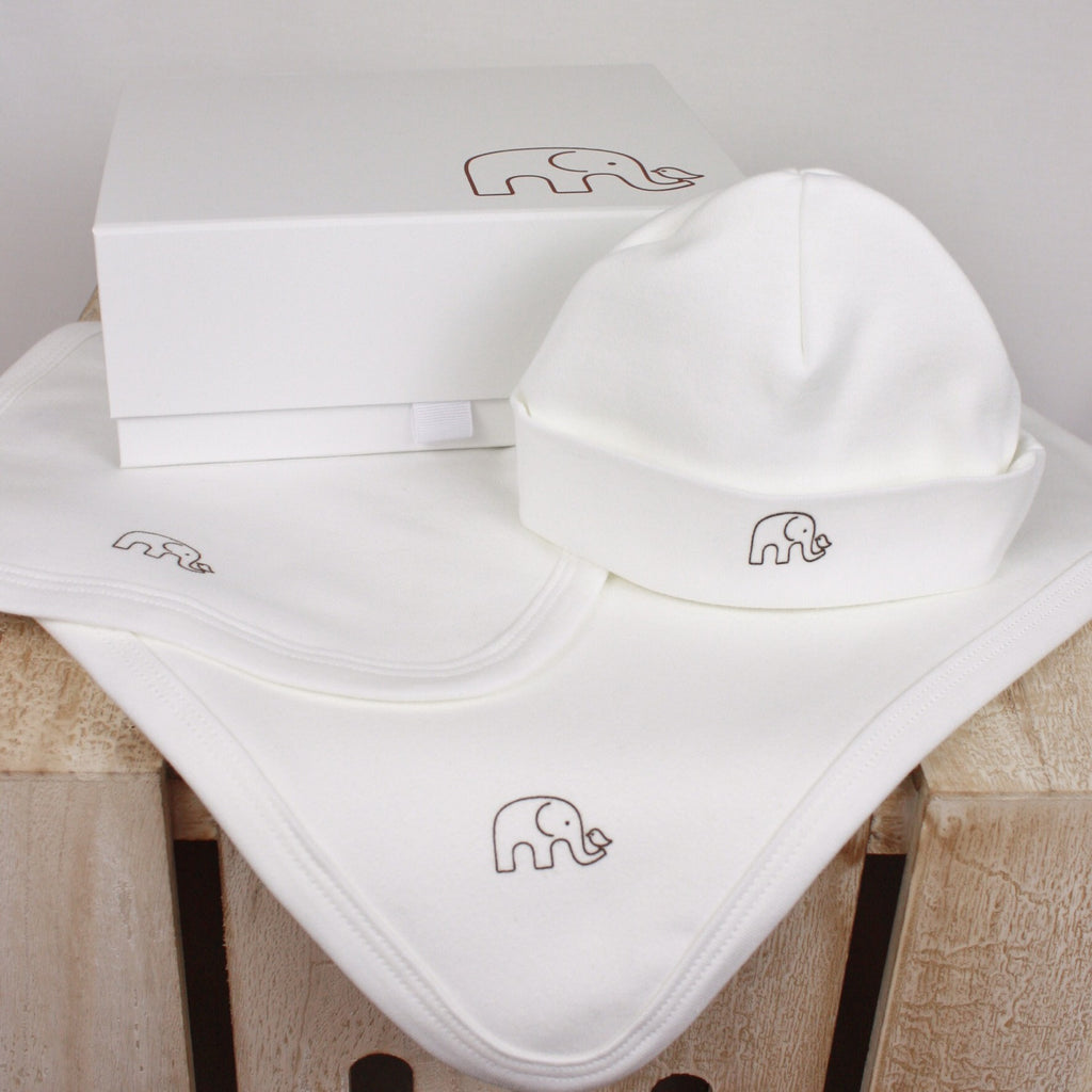 Organic Classic Blanket, Bib and Beanie Gift Set - Molly & Monty