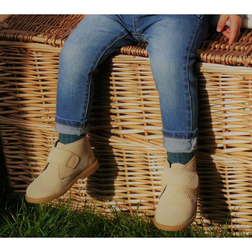 Camel Angelitos velcro desert boots - Willabeans