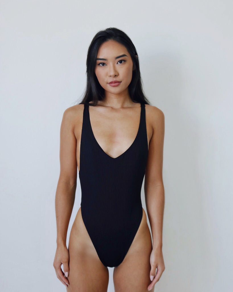 SAMPLE 3 ONE-PIECE