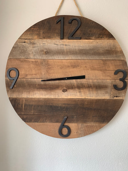 Rustic Circle Shaped Working Clock