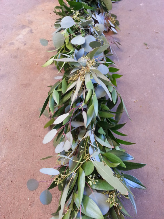 Nagi Silver Dollar And Seeded Eucalyptus Garland