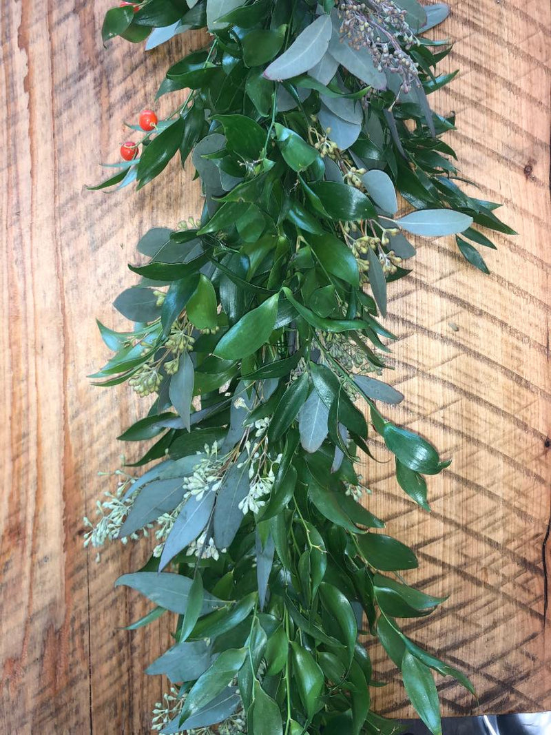 Italian Ruscus And Seeded Eucalyptus Garland The Garland Guy