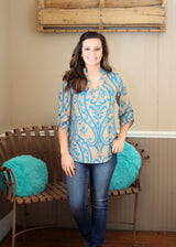 V NECK PRINTED TOP W/ BUTTON SLEEVE