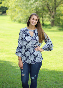 NAVY & WHITE DAHLIA PRINT TOP