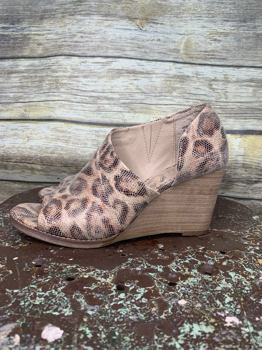 VERY G JEANIE OPEN TOE CUT OUT BOOTIES