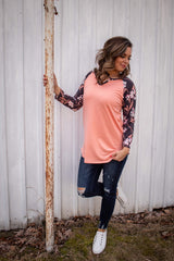 CORAL/CHARCOAL BASEBALL FLORAL TOP