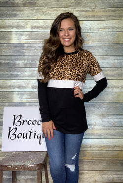ANIMAL/BLACK COLORBLOCK TOP