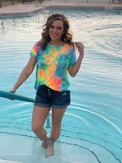 NEON TIE DYE SHORT SLEEVE TOP