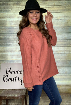 AMBER BRUSHED KNIT BUTTON TOP