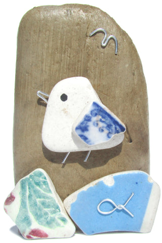 Pebble Seagull & Beach Spongeware Pottery Driftwood Ornament (No. 1121)