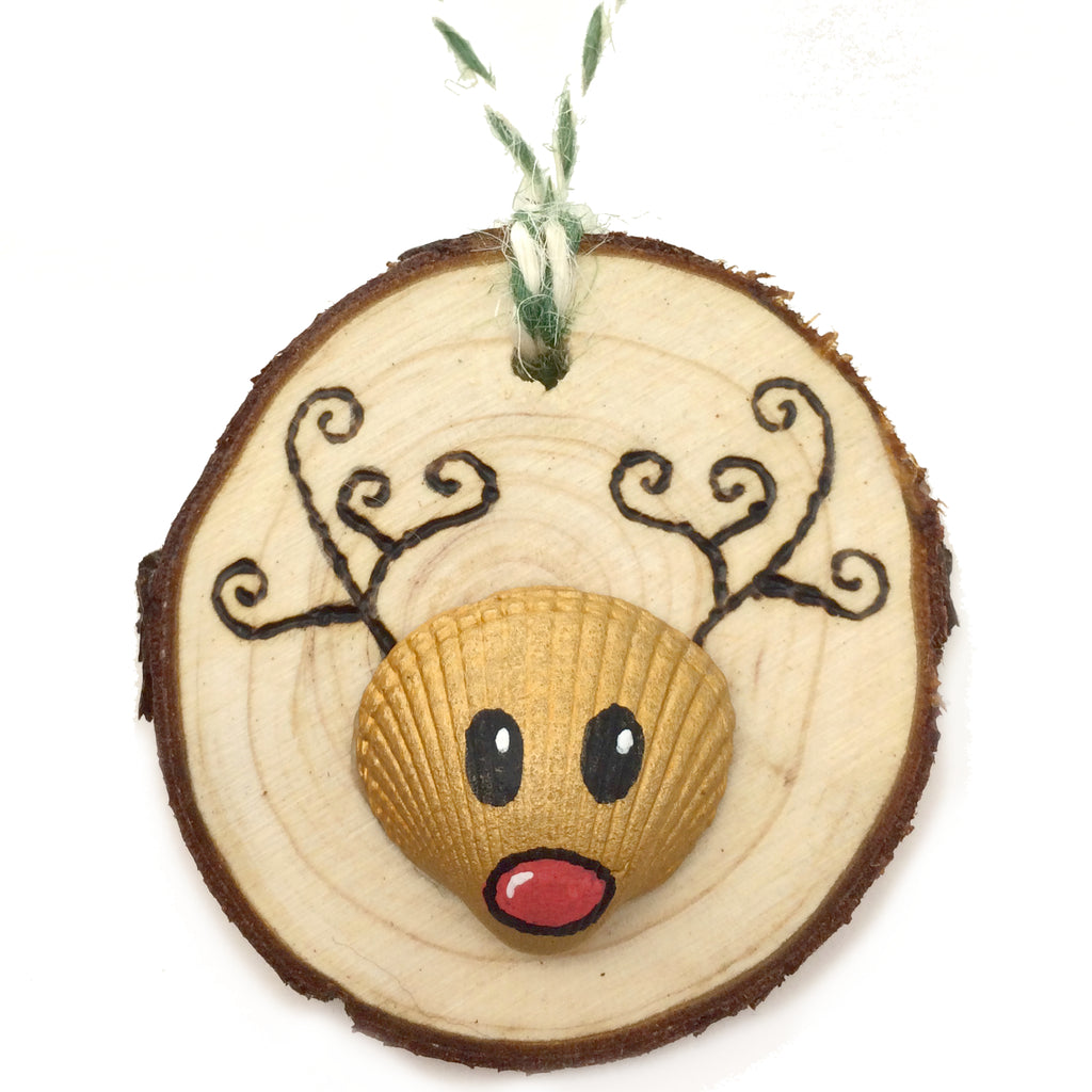 Rudolph the Reindeer - Cockle Shell Christmas Tree Decoration (No. 1138)