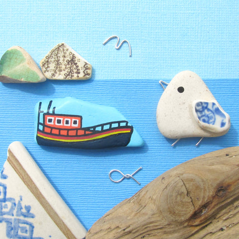 RNLI Lifeboat & Pebble Seagull - Hand-Painted Framed Beach Collage (No. 1303)