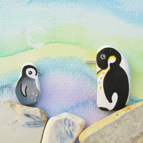 Pair of Pebble Penguins, Watercolour Northern Lights - Framed Beach Collage (No. 683)
