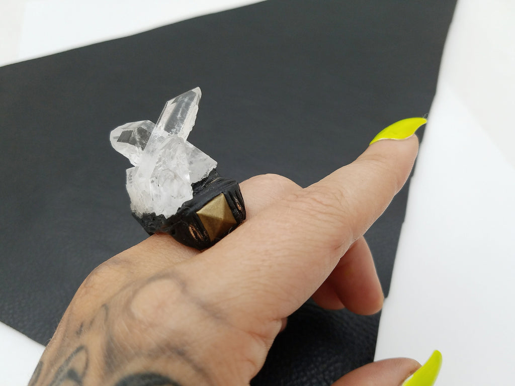 CLEAR QUARTZ: Adjustable Ring