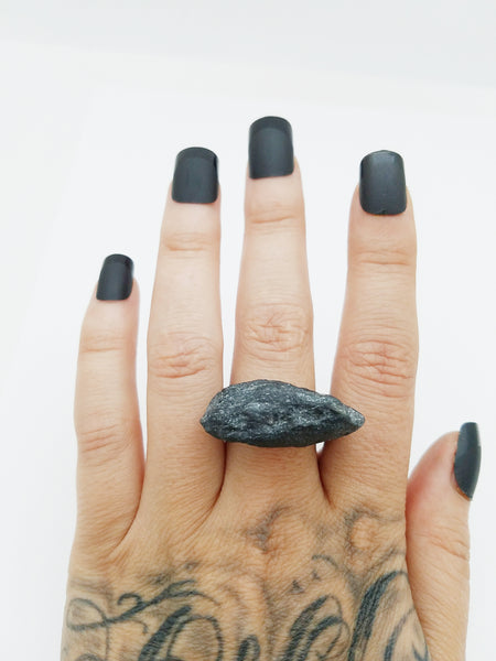 SPECULARITE: Size 6.5 Ring