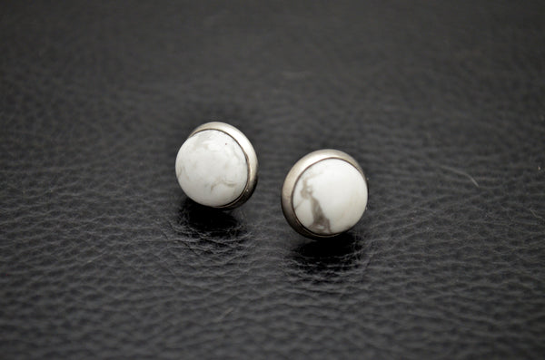 HOWLITE: 10mm Crystal Stud Earrings