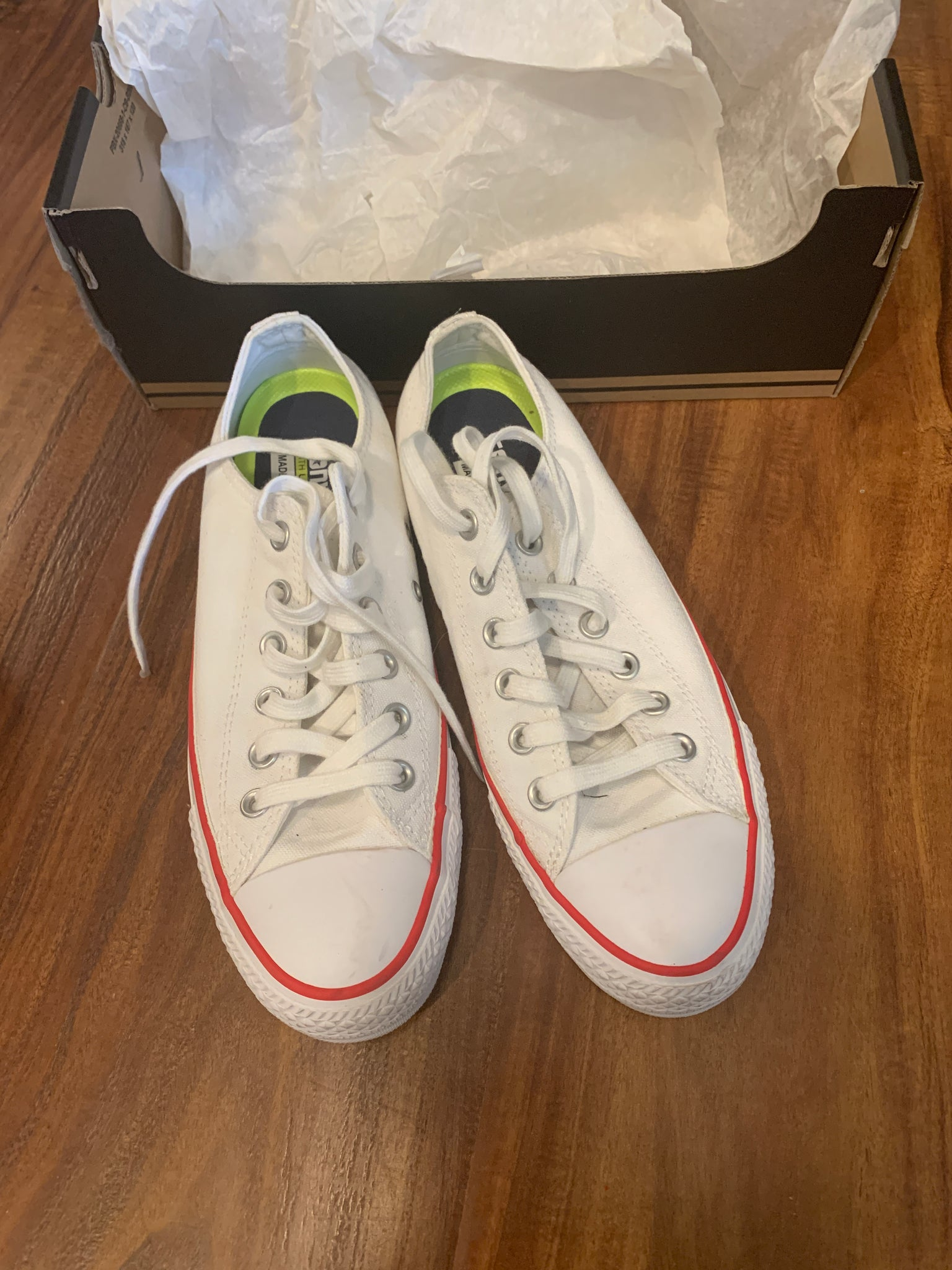 Converse Shoes Size 7 Mens/9 Womens (Worn once)