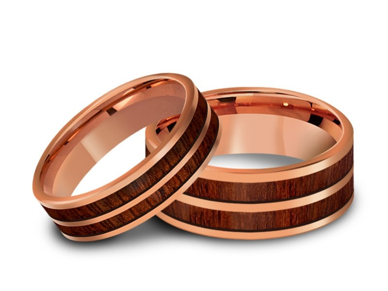 6MM/8MM HAWAIIAN KOA WOOD FLAT TUNGSTEN WEDDING BAND SET ROSE GOLD CENTER AND ROSE GOLD INTERIOR - Vantani Wedding Bands