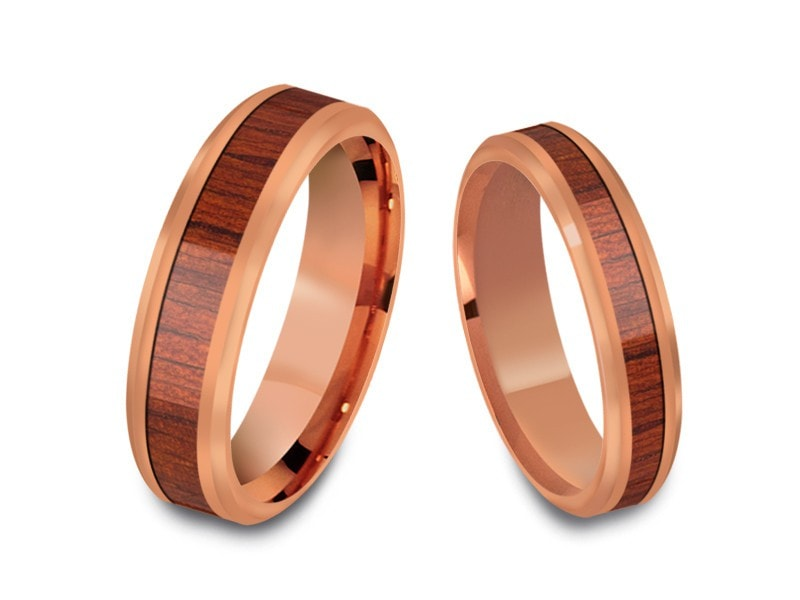 4MM/6MM HAWAIIAN KOA WOOD TUNGSTEN WEDDING BAND SET BEVELED AND ROSE GOLD INTERIOR - Vantani Wedding Bands