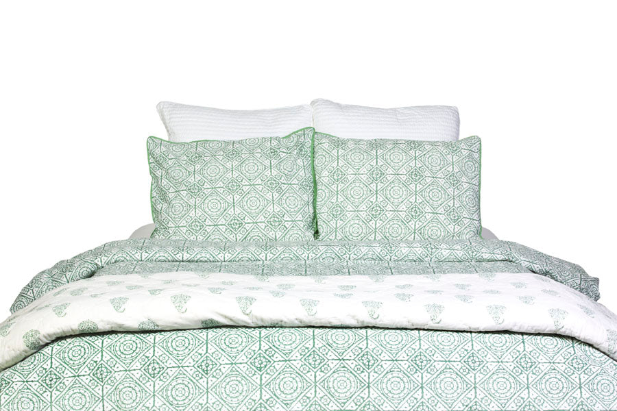 Inspiration Green Cotton Quilt Set - Bedding | Lola & Chloe
