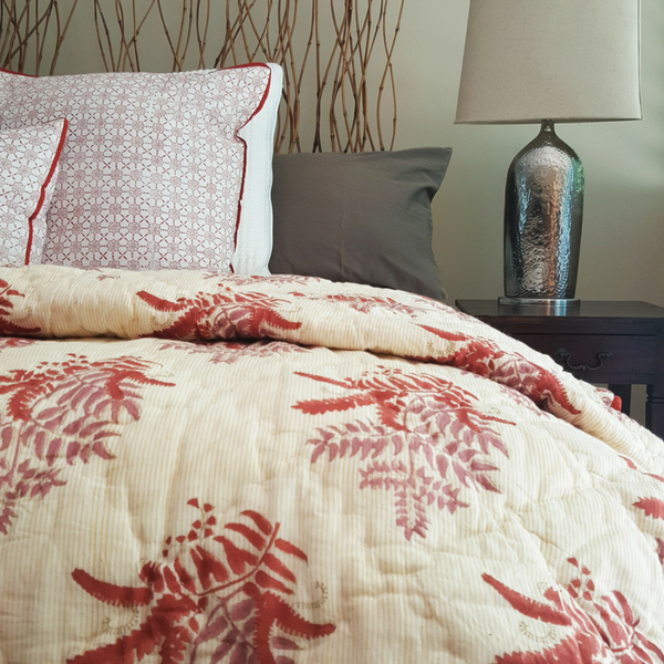 Possibilities Red Cotton Quilt Set - Bedding | Lola & Chloe