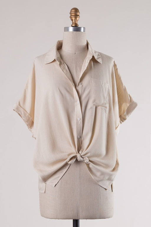 Short wide sleeve with folded hem, collar neck, button down, patched pocket, short side slits, woven top.; Gingerly Witty