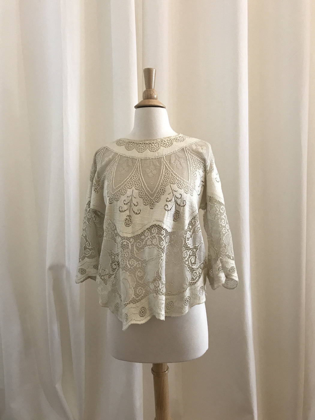 """Tuck Everlasting"" Lace Top - Estimated Size S, Gingerly Witty - Gingerly Witty"