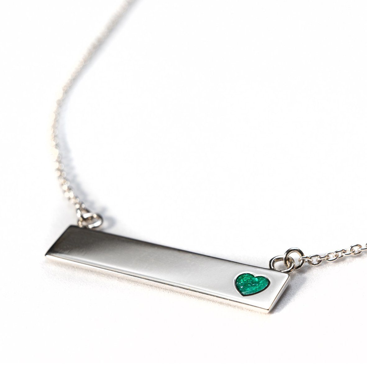 Sterling Silver Bar Necklace with Heart Everence Inlay everence.life Emerald